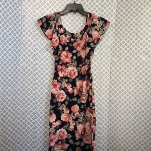 🌞 lovely Cecy stretchy ruffle floral dress